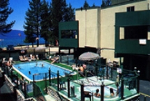 Royal Valhalla Motor Lodge pool